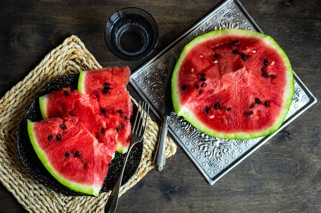 Reife wassermelonenscheiben
