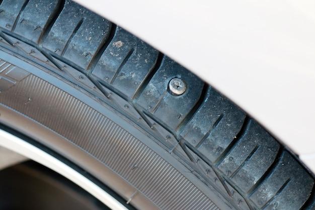 Reifen zum durchstechen von nägeln