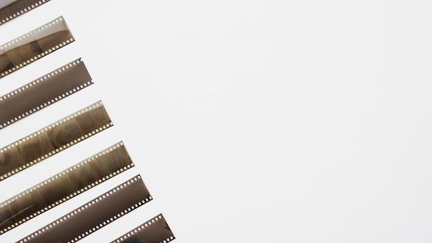 Reihe von abgerollten filmstreifen
