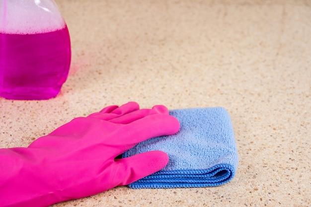 Reinigung in der küche