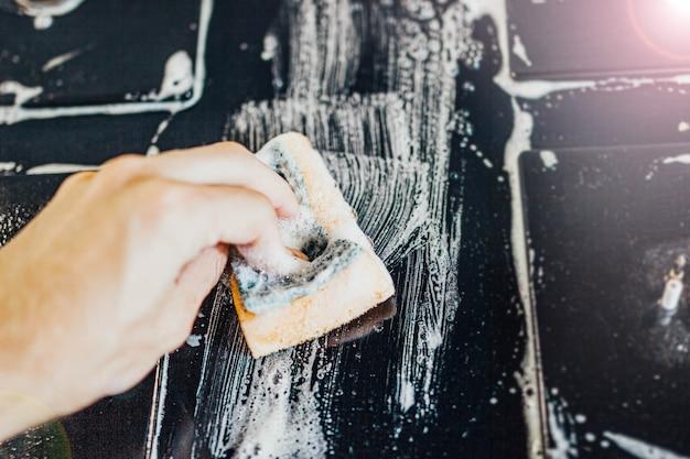 Reinigung mit schaumgasherd mit glasoberfläche
