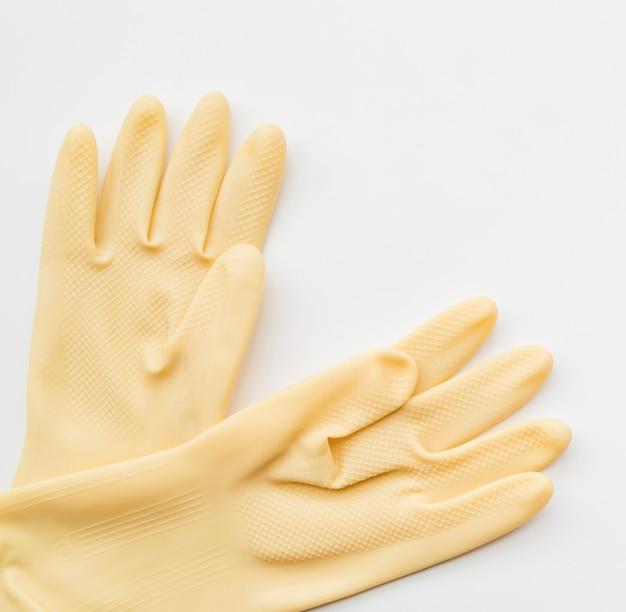 Reinigungskonzept mit handschuhen