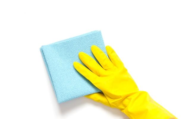 Reinigungsmittel und reinigungszubehör. reinigungsservice, kleinunternehmensidee, frühjahrsputzkonzept. flachgelegt, draufsicht.