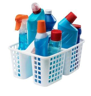 Reinigungsprodukte isoliert auf weiß.