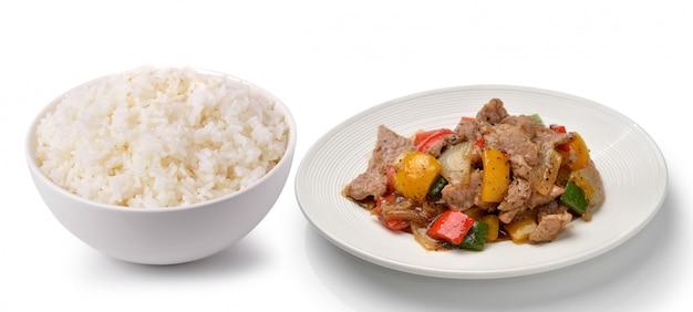 Reis in einer weißen schüssel köstliches essen thailand art