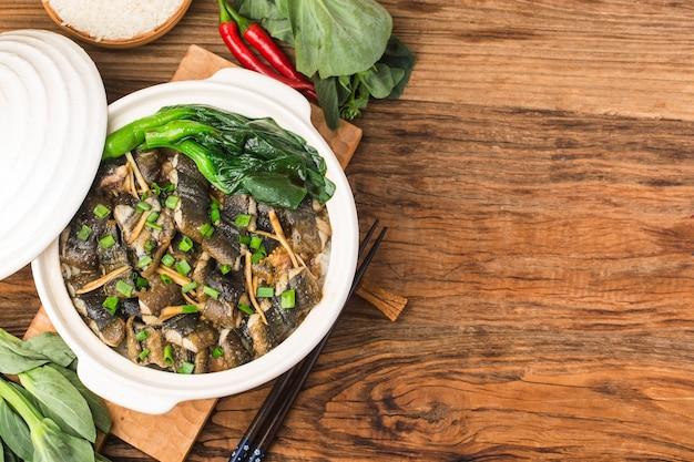 Reis nach kantonesischer art mit monopterus albus