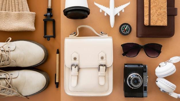 Reise stillleben pack draufsicht