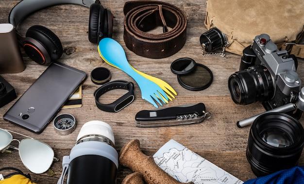 Reiseausrüstung holz