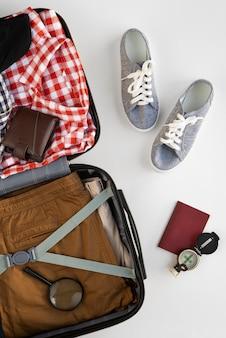 Reisekoffer und vorbereitungen packen Kostenlose Fotos