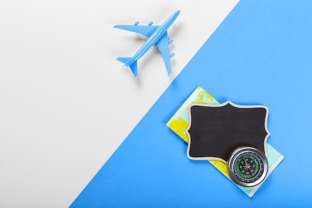 Reisekonzept mit dem flugzeug