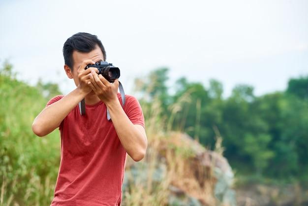 Reisender, der fotos macht