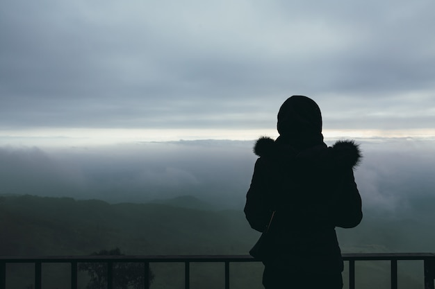Reisendfrau im gesichtspunkt von phu tubberk