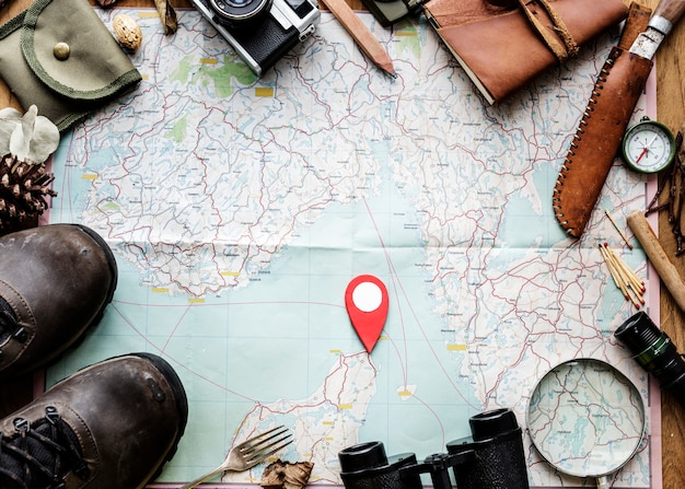 Reiseplanung auf einer karte und anderem zeug