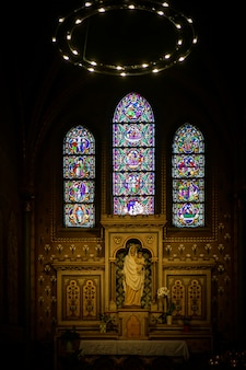 Religiöser altar in die kirche