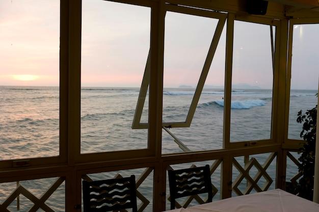 Restaurant an einem ozean, la rosa nautica, miraflores-bezirk, provinz lima, peru