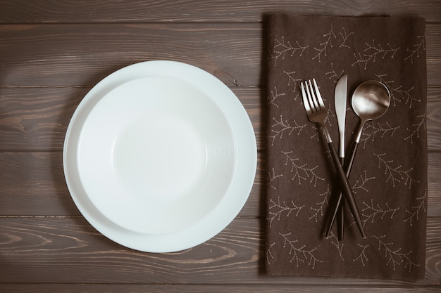 Restauranttisch mit besteck