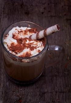 Retro- altes der kaffeesahneschokoladenplätzchen-weinlese