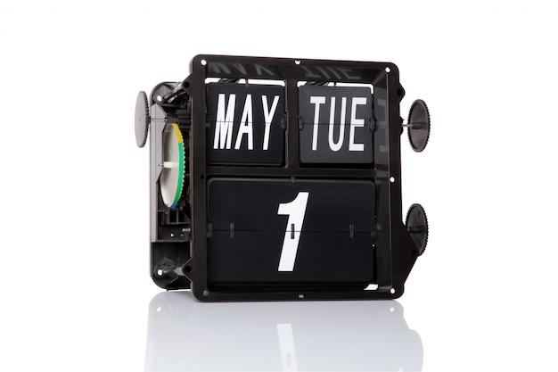 Retro- datum des mechanischen kalenders am 1. mai am lokalisierten werktag.