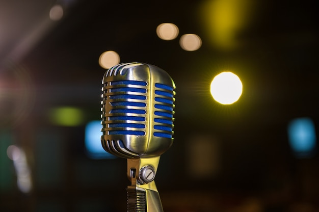 Retro mikrofon beim konzert