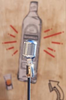 Retro-mikrofon für konzert, vintage-silber-mikrofon, musik