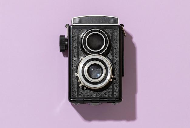 Retro schwarze kameraanordnung