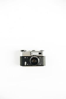 Retroistische fotokamera minimalistisches flaches hipster-lay-konzept