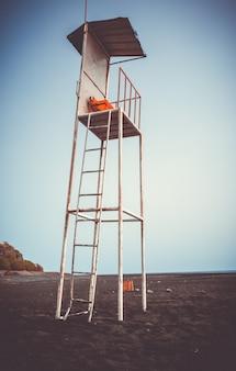 Rettungsschwimmer-hochstuhl in fogo island, kap verde