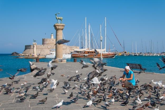 Rhodes landmark der mittelalterliche leuchtturm