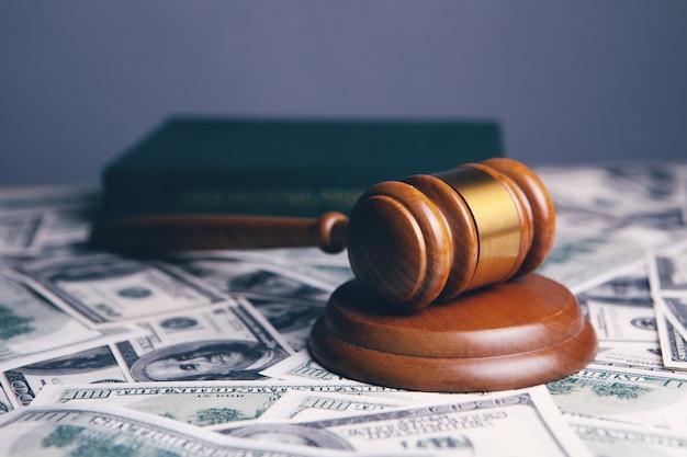 Richter hammer, dollar für geschäft, finanzen, korruption, geld, finanzverbrechen