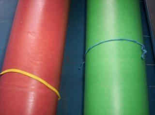 Riese und gummi, papier