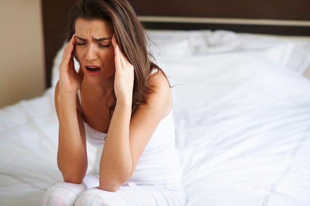 Riesige kopfschmerzen nach dem aufwachen