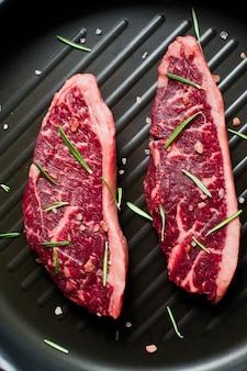 Rinderlendensteak auf der grillpfanne