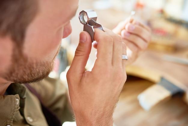 Ringbewertung im juweliergeschäft