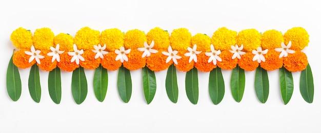 Ringelblumenblüten-rangoli-design für das diwali-festival