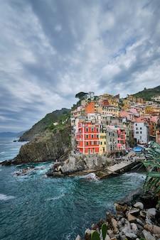Riomaggiore-dorf, cinque terre, ligurien, italien