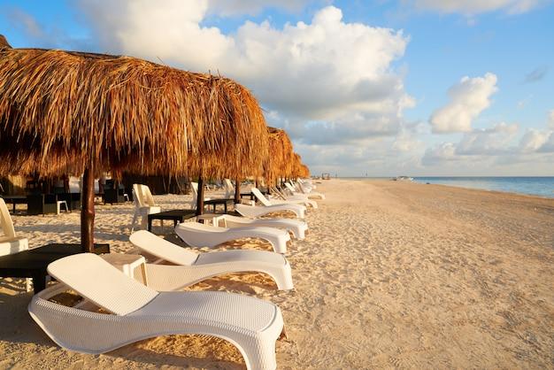 Riviera maya-sonnenaufgangstrand in mexiko