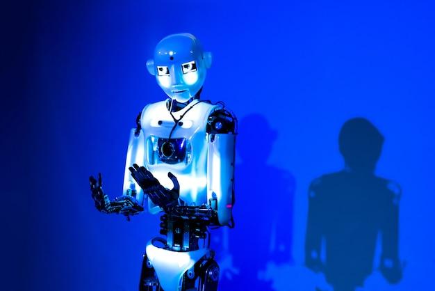 Roboter der künstlichen intelligenz