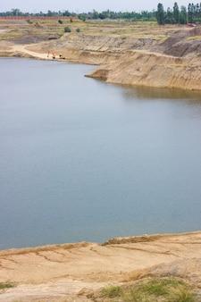 Rock cliff des großen blue lake