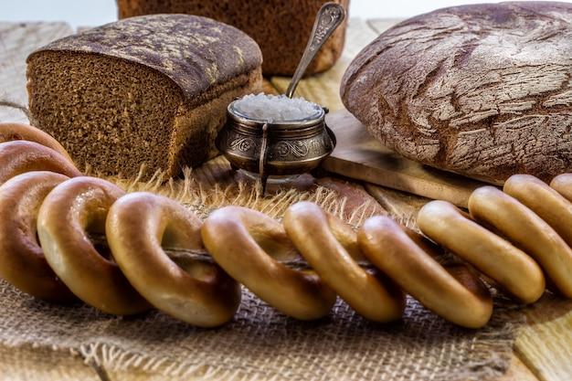Roggenbrot und bagels