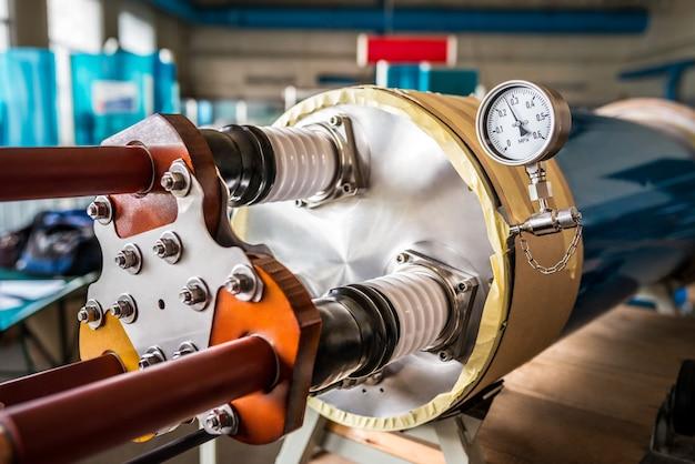 Rohr und thermometer für industrieanlagen