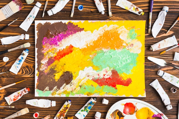 Rohre und bürsten um abstrakte malerei