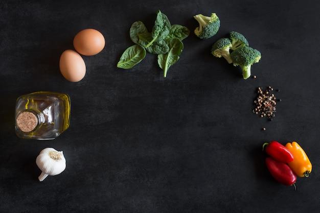 Rohstoffe für omelett