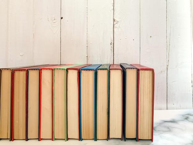 Romane auf marmorboden