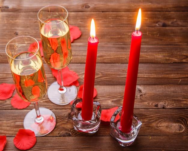 Romantischer abend mit champagner