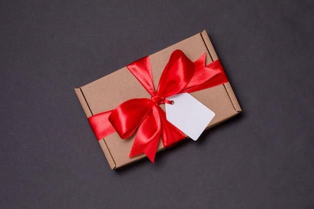 Romantischer geschenkbandbogen des valentinsgrußtages, geschenktag, geschenk, nahtloser schwarzer hintergrund