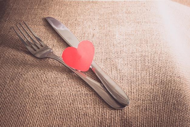 Romantisches dinner-konzept des valentinsgrußes