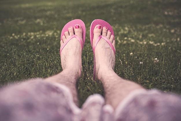 Rosa flip-flops