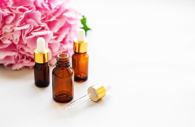 Rosa hortensie und massageöl