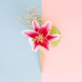 Rosa lilie blüht im blumenstrauß