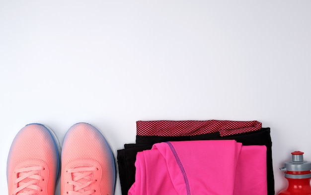 Rosa textilschuhe und andere artikel für die fitness